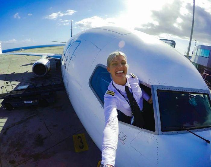 Женщина-пилот стала звездой Instagram (18 фото)
