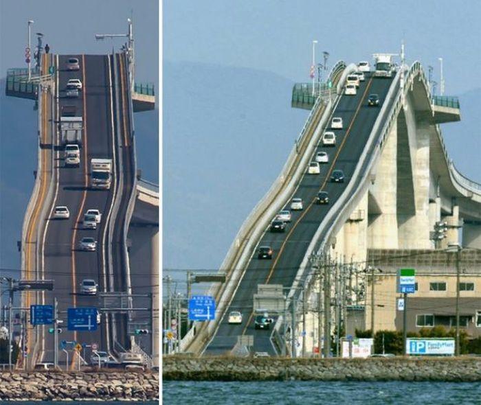 «Опасный» мост в Японии (4 фото)