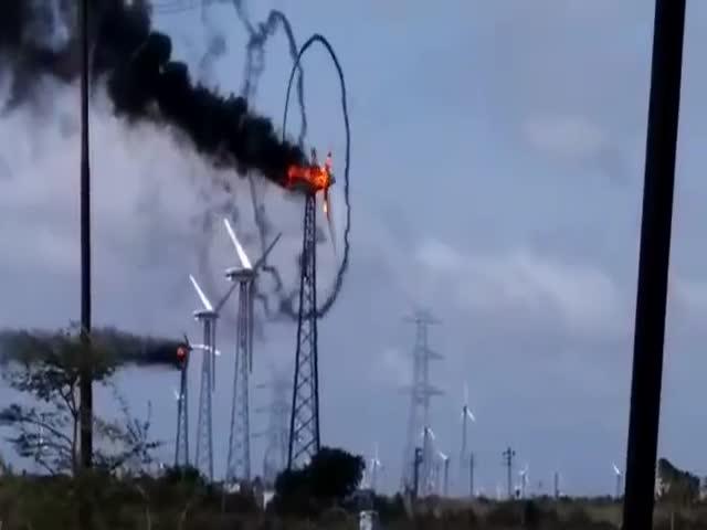 Красиво горящий ветряк