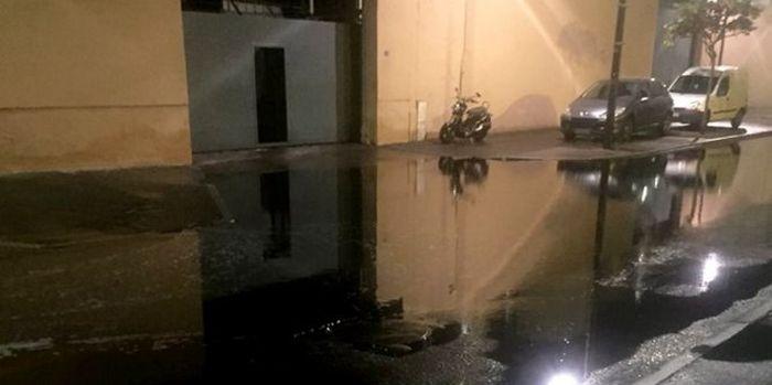 Винный потоп во французском городе Сет (5 фото)