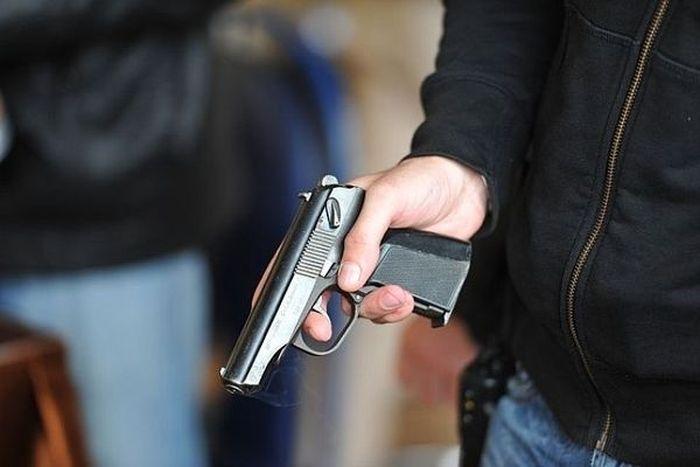 В Рио-де-Жанейро мужчина, представившийся вице-консулом РФ, застрелил грабителя (2 фото)
