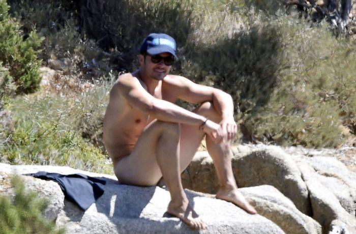 Орландо Блум полностью обнажился, катая Кэти Перри на доске для паддлбординга (9 фото)
