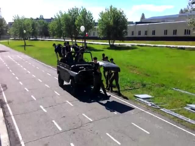 Установлен рекорд разборки/сборки УАЗа