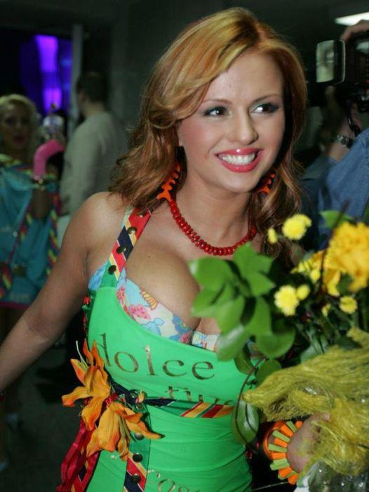 Как менялась Анна Семенович в течение последних 13 лет (14 фото)