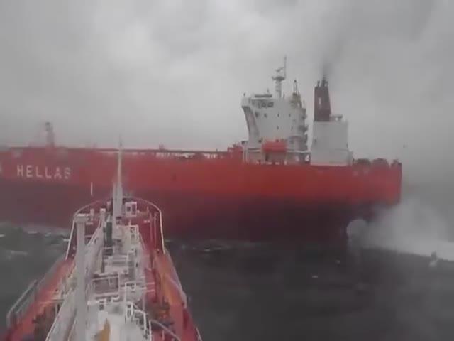 Два танкера чуть не столкнулись в море