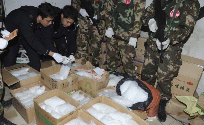 В КНДР рабочих заставляют принимать метамфетамин для повышения работоспособности (3 фото)