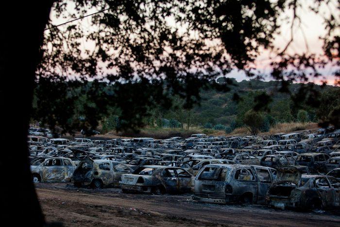В Португалии на парковке музыкального фестиваля Андансаш сгорели 422 автомобиля (10 фото + видео)