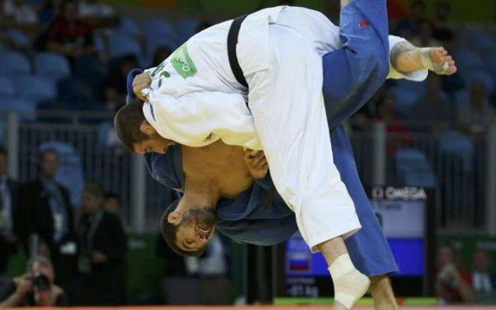 Американский дзюдоист Трэвис Стивенс поблагодарил российских спортсменов (2 фото)