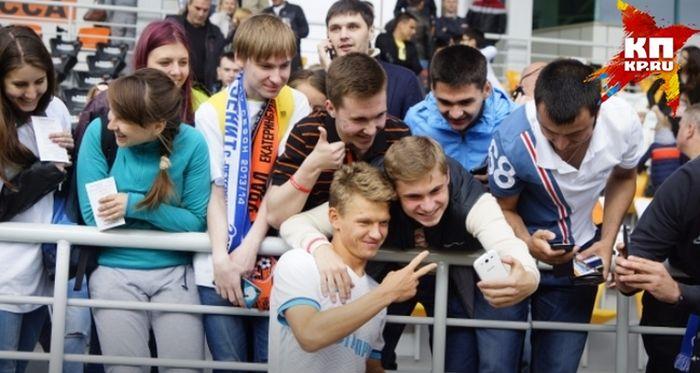 Игрок «Зенита» Олег Шатов подарил родному Нижнему Тагилу стадион за 13 млн рублей (4 фото)