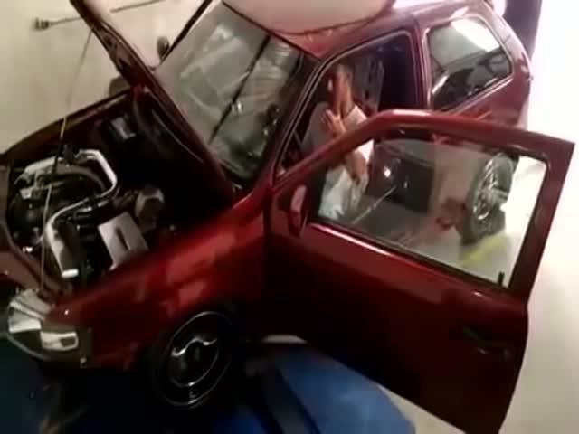 Неудачные испытания автомобиля на диностенде