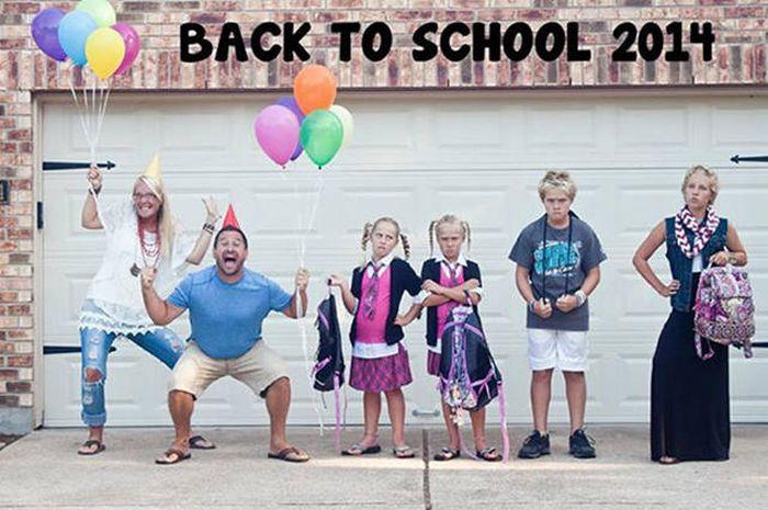 Родители радуются началу учебного года (24 фото)