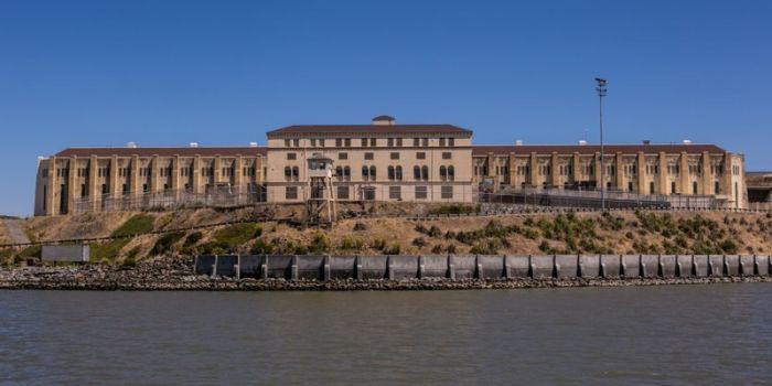 Самые красивые тюрьмы и психлечебницы (15 фото)