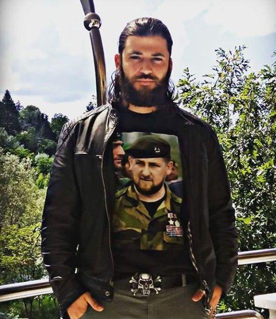 Актер Станислав Яневский, Виктор Крам из «Гарри Поттера», надел футболку с Кадыровым (2 фото)