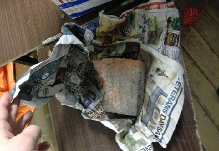 Житель Мурманской области трижды получал по почте кирпичи вместо заказанных планшетов (6 фото)