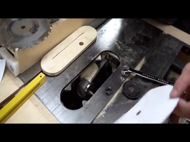 Бумажное лезвие циркулярной пилы в действии