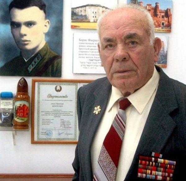 На 97 году жизни скончался последний защитник Брестской крепости Борис Фаерштейн (2 фото)