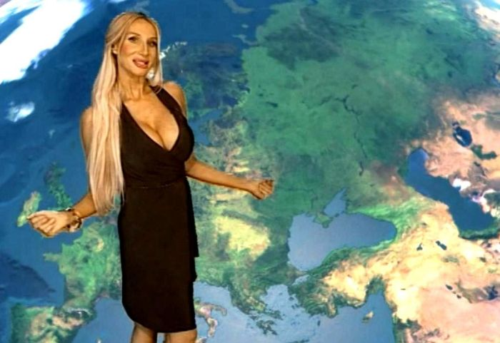 Телеведущая Лариса Сладкова сняла свою кандидатуру с выборов (4 фото)