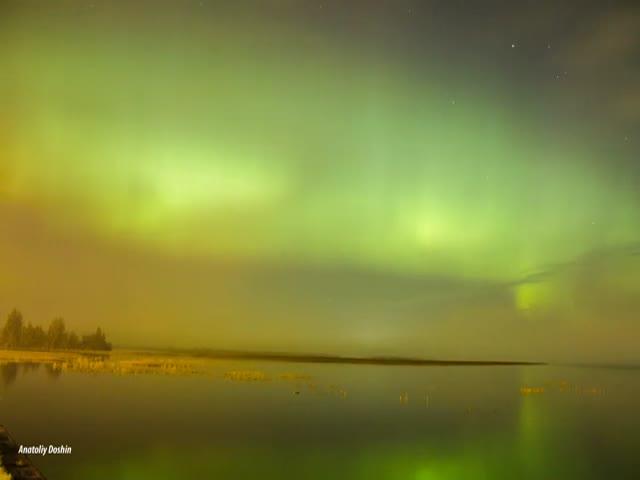 Северное сияние в небе над Санкт-Петербургом