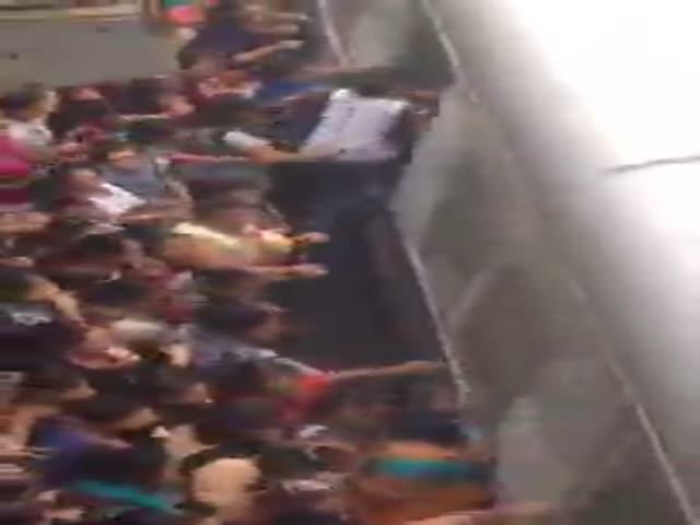 Давка на железнодорожной станции в Мумбаи