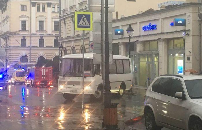 Обанкротившийся предприниматель захватил банк в центре Москвы