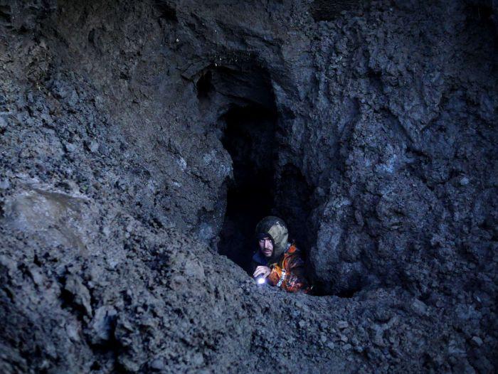 «Черные археологи» в поисках бивней мамонта (33 фото)