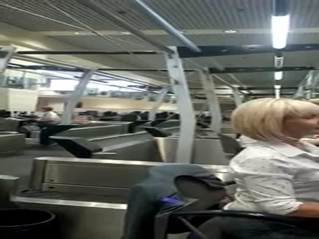Конфликт с сотрудниками авиакомпании из-за святой воды