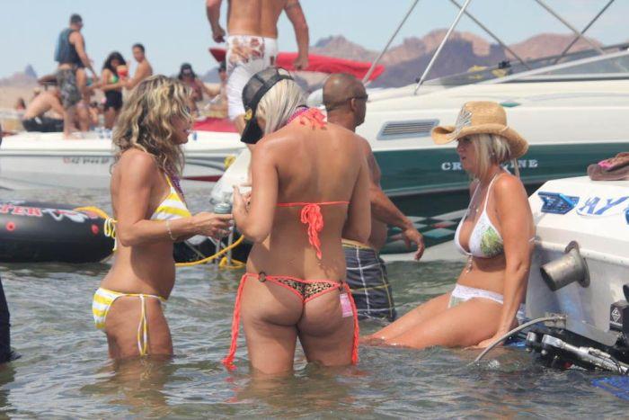Озеро Хавасу - рай для мужчин (30 фото)