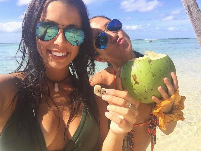Контрабандистка, пытавшаяся провезти 95 кг кокаина, рассказывала о своем путешествии в Instagram (14 фото)