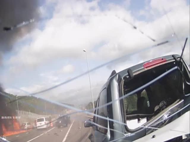 Грузовик с отказавшими тормозами устроил массовое ДТП