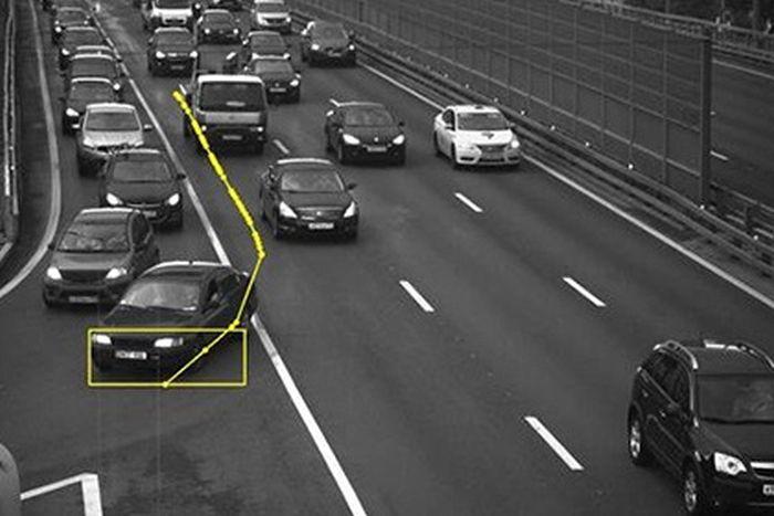 Водитель получил штраф за нарушение другого автомобиля (фото + видео)