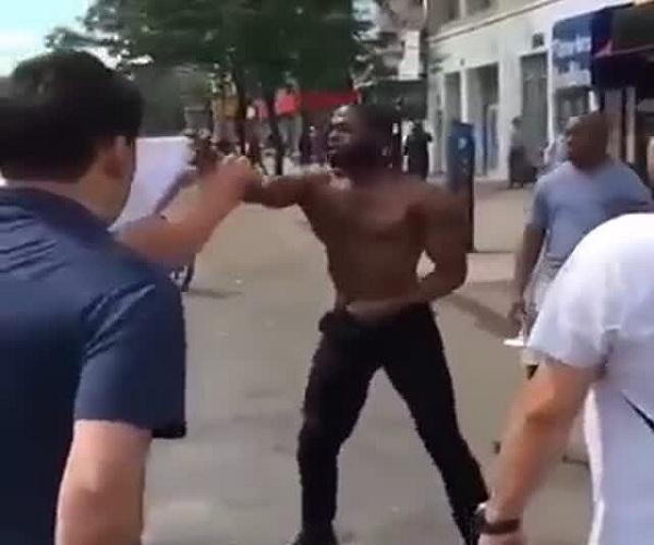 Неожиданная концовка уличной драки