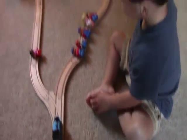 2-летний мальчик решил мысленную задачу «проблема вагонетки»