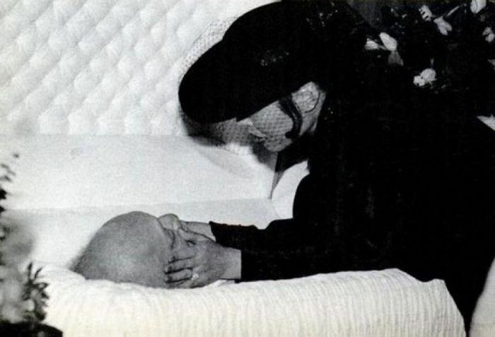 Последние дубли актеров, умерших на съемочной плошадке (47 фото)
