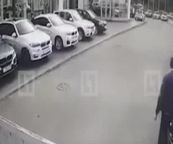 В Санкт-Петербурге из автосалона BMW угнали 4 автомобиля