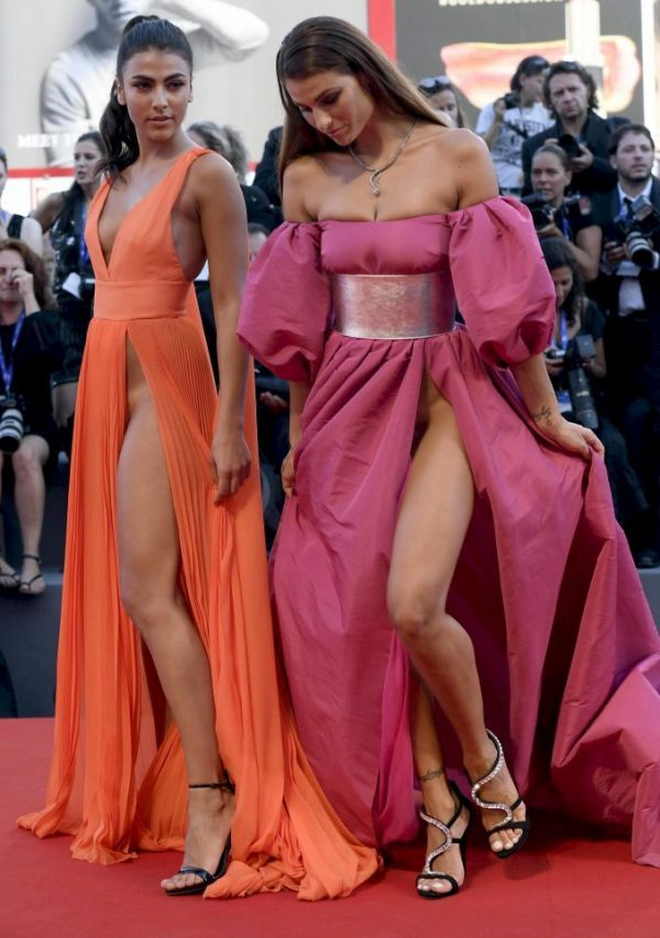 Откровенные платья итальянских моделей на Венецианском кинофестивале (8 фото)