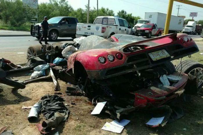 В Мексике разбили суперкар Koenigsegg CCX (6 фото)