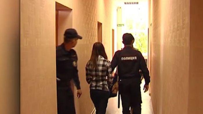 В Перми 18-летнюю девушку приговорили к 3 годам за совращение 13-летнего подростка (2 фото)