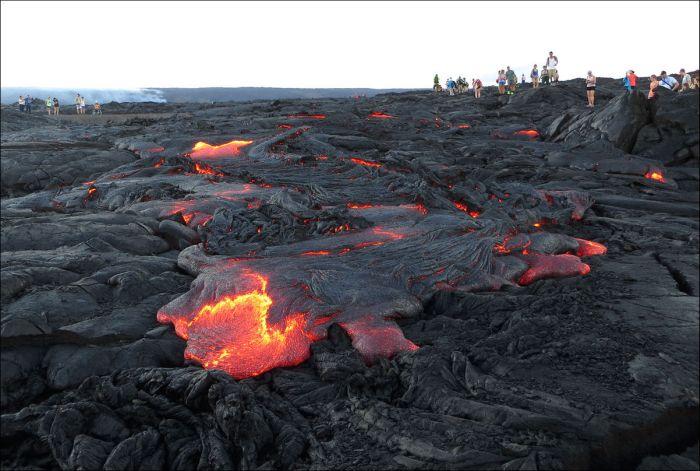 Как выглядит действующий вулкан Килауэа сегодня (19 фото)