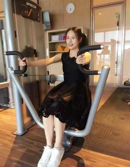 Китаянку Шу Синь назвали самым красивым в мире телохранителем (8 фото)