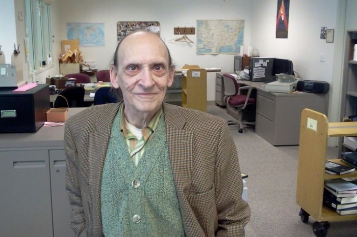 Библиотекарь сделал щедрый подарок университету после своей смерти (2 фото)