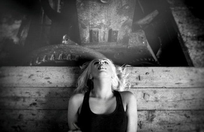 Женские оргазмы в фотопроекте Альберта Поцея (14 фото)