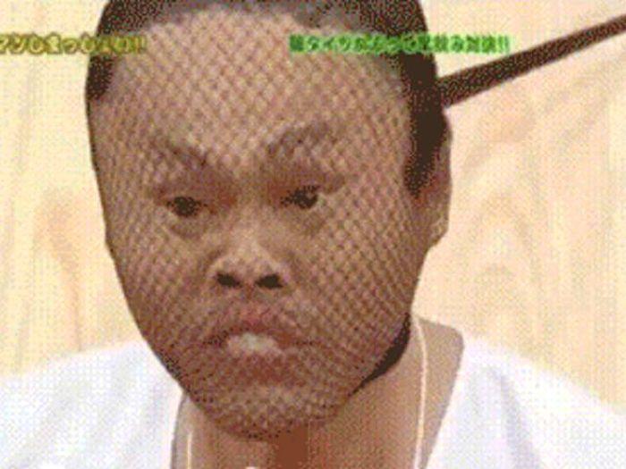 Безумные фрагменты японских телешоу (24 гифки)