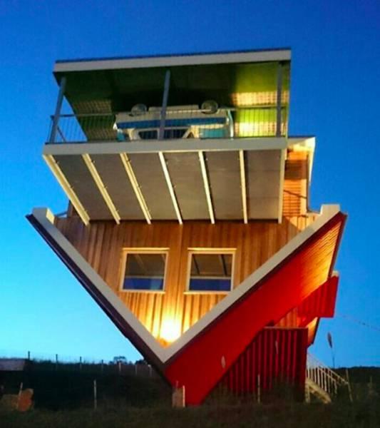 Toppels House - бар, в котором все перевернуто с ног на голову (24 фото)