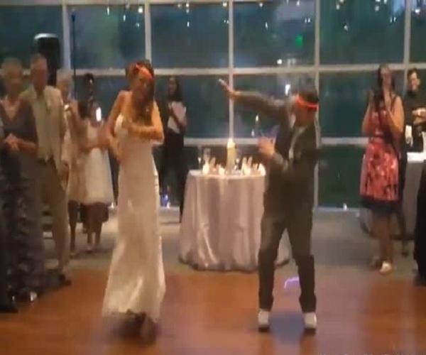 Зажигательный хип-хоп танец молодоженов