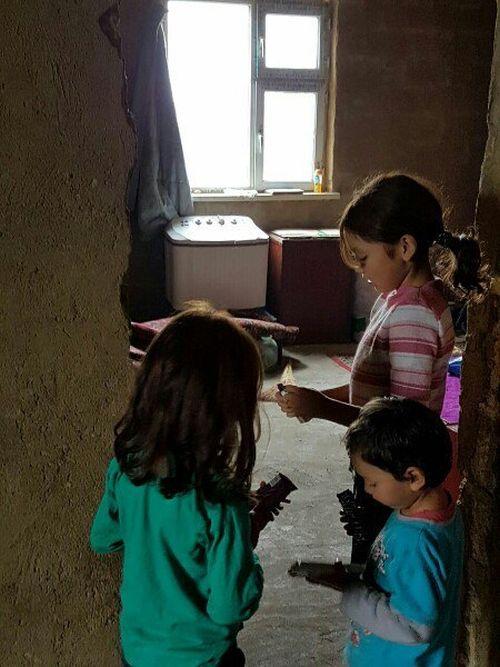 В Актобе обнаружили шестерых детей, живущих без родителей (6 фото)