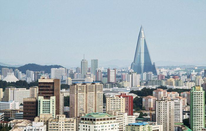 Шестизвездочный северокорейский отель, который туристы сравнивают с тюрьмой (13 фото)