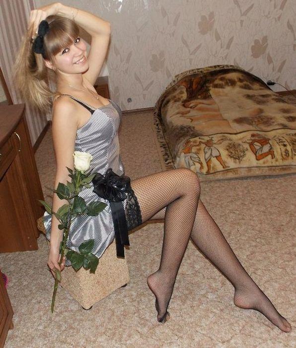 Милые девушки в домашней обстановке (48 фото)