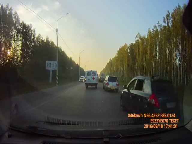 Велосипедист сдал сотрудникам ДПС нарушителя ПДД