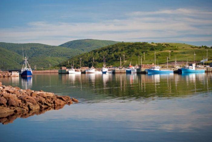 Канадский остров, обещающий обеспечить работой и земельным участком всех переселенцев (5 фото)