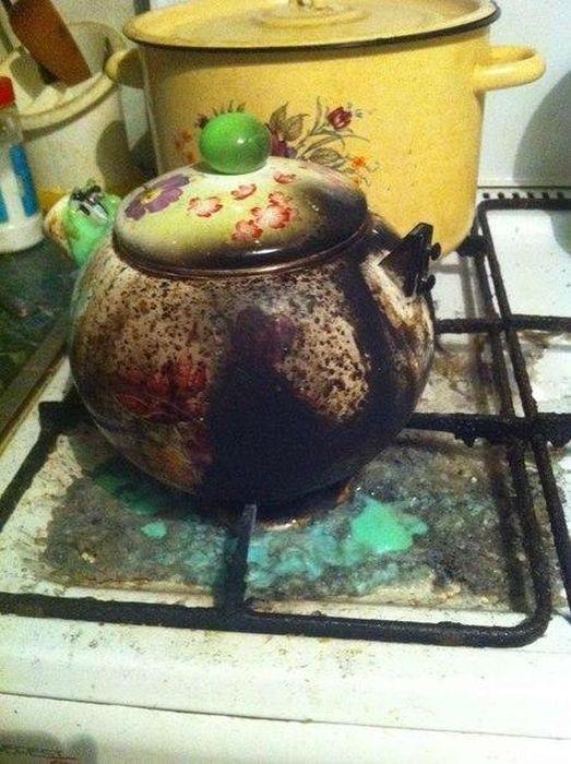 К чему приводит забывчивость во время приготовления пищи (22 фото)